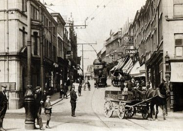 Old black and white photo of Leeming Street in 1911 | Courtesy of Lynn of Blooming Wonderful