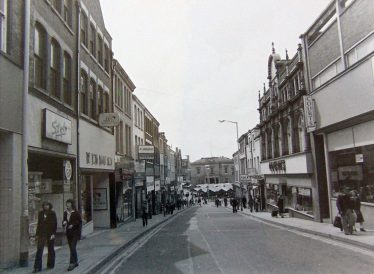 Old black and white photo of Leeming Street in 1979 | Courtesy of D. Hill